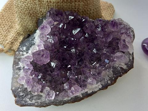 Améthyste Incurvée Violette Extra