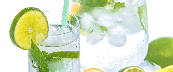 eau-glaçon-citron-vert-menthe-frais